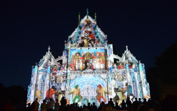 Durant l'été, de nombreuses festivités se déroulent autour et dans le monastère. Ici, jeux de lumières sur la façade du Monastère Royal de Brou ©Serge Buathier