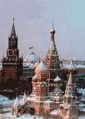 Moscou rétablit les parades militaires
