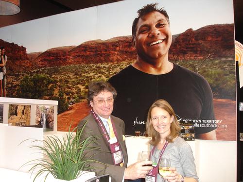 Joyeuse rencontre à l'ATE : Eric Ridet, Australie Tours, et Elodie Douville, Asia