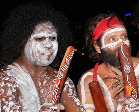 On recense aujourd'hui 150 entreprises touristiques indigènes, la grosse majorité se trouvant dans en Australie Occidentale et dans les Territoires du Nord.