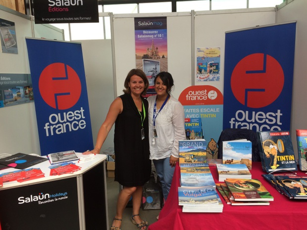 Le stand Ouest-France et Salaün Holidays sur le festival Etonnants Voyageurs - DR