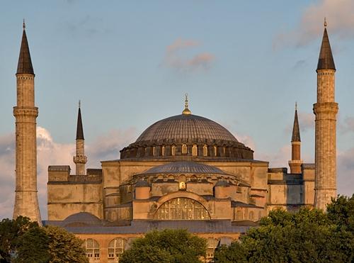 Istanbul cultive avec talent sa vocation de destination culturelle. S'y perdre pour mieux se retrouver est un classique  incontournable de quelques heures, de quelques jours