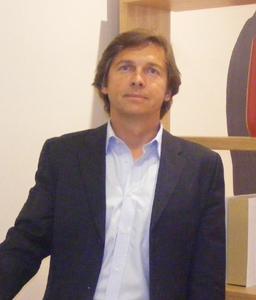 Jean-Marie Guivarc'h, directeur des agences Galeries Lafayette Voyages à l'inauguration de l'agence pilote de Cap 3000