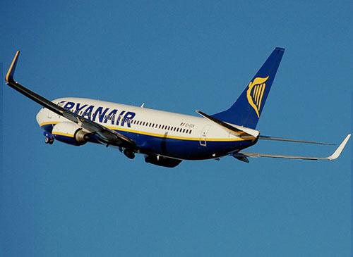 """Voyager debout en avion, la nouvelle """"idée"""" de Ryanair"""
