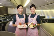 Sur certains vols, le personnel aussi prend des allures de Hello Kitty. DR: EVA Air