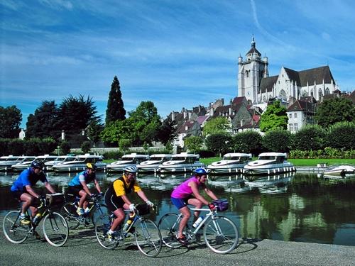 Les Français recherchent des forfaits thématiques, mariant hébergements et parcs de loisirs ou des activités typiques de la région visitée... (photo CDT Jura)