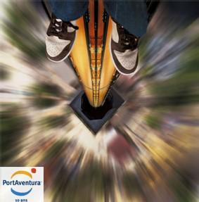 Décharge d'adrénaline garantie, avec une chute de 100 mètres de hauteur, à 115 km/h. Trois secondes de vertige absolu réservé aux plus téméraires.