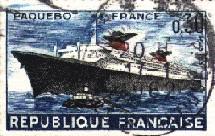 Fierté française, l'ex paquebot France quitte Bremerhaven pour la Malaisie, sans doute pour son dernier voyage.
