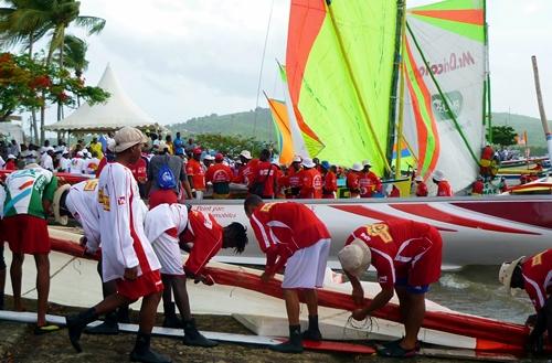 Le tour de l'île en yole, connu et réputé dans toute la Caraïbe, se déroule tous les ans durant la dernière semaine de juillet et suscite un extraordinaire engouement populaire.