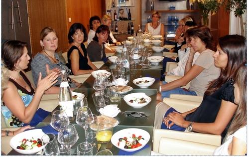 Valérie Dufour, qui préside la tablée, a planché mardi dernier au Cercle des Voyageuses. Thématique : ''Emploi tourisme : bilan et perspectives''