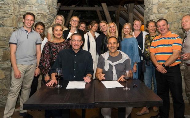 La signature du contrat de joint-venture entre Vienna House et Absolute Hotel Services - Photo : DR