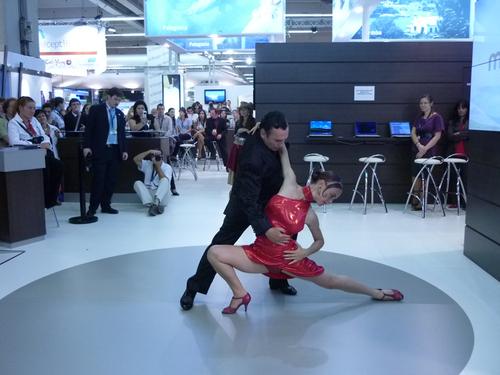 Cotal : une leçon de tango à Top Résa