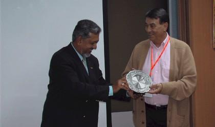 Olivier Delaire, président de l'APS et Mirza Mohammad Taiyab, directeur général du Malaysia Tourism Promotion Board