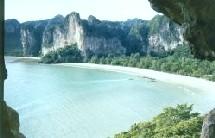 L'île de Krabi désertée tout comme les autres îles de la Thaïlande.