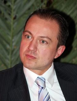 Guillaume Lemière, responsable du département des immatriculations des agences de voyages chez Atout France