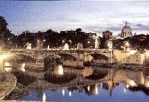 """Inauguré dimanche dernier, le """"Tevere Village"""" associe la Ville de Rome, sa province et la région du Latium à une structure privée, la """"Compagnie de navigation Pont Sant'Angelo"""", qui a totalement financé l'initiative à hauteur de 600.000 euros et ex"""