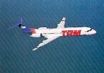 Depuis le 15 juin 2005, TAM opère 2 vols quotidiens de nuit au départ de Paris-Charles de Gaulle vers São Paulo.