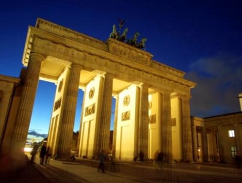 Berlin les cloisons tombent la destination grimpe au plafond - Office du tourisme de berlin ...