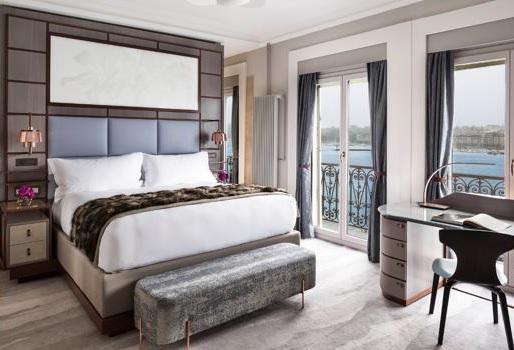 Une des chambres de l'hôtel The Ritz-Carlton Hotel de la Paix à Genève (Suisse) - DR