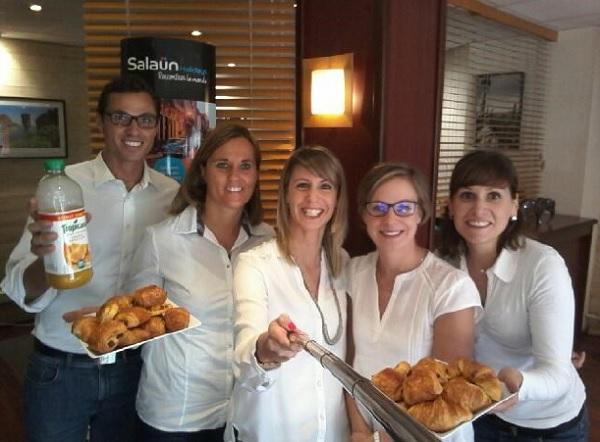 Croissants et pains au chocolat seront offerts aux clients du groupe Salaün, afin de présenter la nouvelle brochure - Crédit photo : Salaün