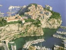 L'hôtellerie monégasque, qui s'est sensiblement rénovée au cours des dernières années, va s'accroître avec l'ouverture en octobre du  Monte-Carlo Bay & Resort