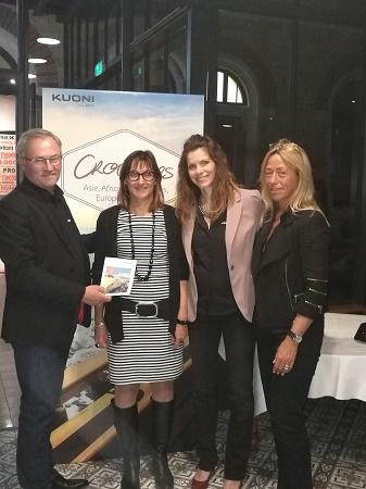 Valérie Pellegrini récompensée par les équipes de Kuoni France - Photo : Kuoni France