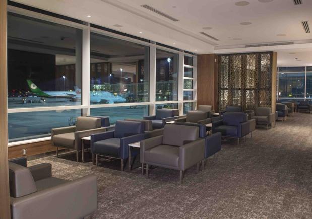 Le nouveau salon Feuille d'érable d'Air Canada à l'aéroport de Vancouver s'étend sur 1 250 m² - Photo : Air Canada