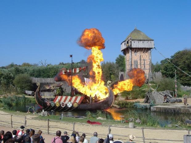 """Le """"clou du spectacle"""" de reconstitution vikings au Puy du Fou - DR Padpo"""
