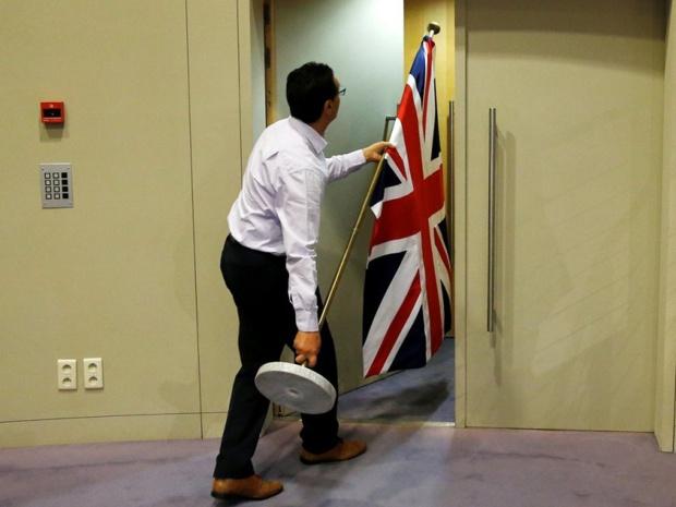 L'Union Jack est rangé dans les bureaux de l'UE - Crédit photo : compte Twitter @conju_re