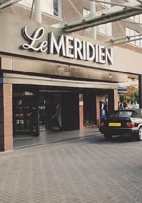 Starwood et Lehman Brothers doivent également reprendre les 95 hôtels gérés ou franchisés par Le Méridien, mais ce volet de l'opération n'est pas abordé non plus par les services européens de la Concurrence.