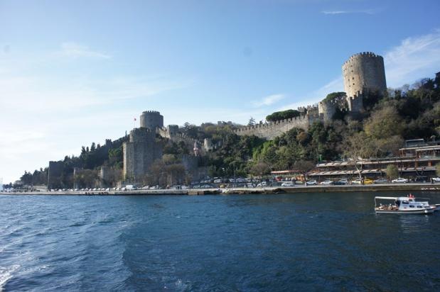 Rumeli Hisarı est une forteresse située au nord du quartier de Bebek à Istanbul, en Turquie. - Photo CE TourMaG.com