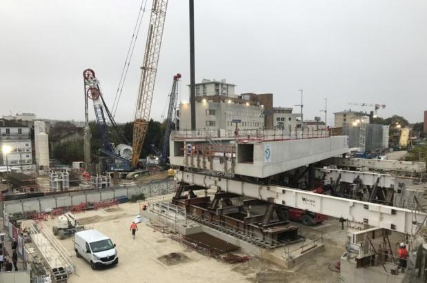 La raison de ces perturbations : le déplacement sur 26 mètres d'une dalle de béton pesant 3000 tonnes - Crédit photo : Ratp