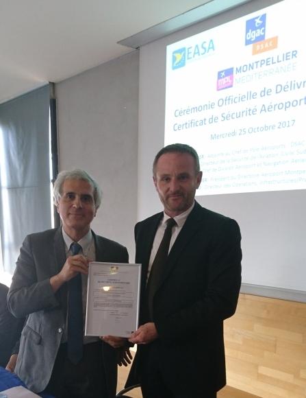 Remise du certificat - Philippe Ayoun & Emmanuel Brehmer - photo officiel aéroport Montpellier Méditerranée