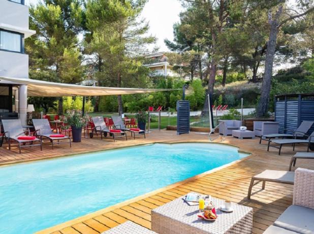 L'hôtels de l'Arbois est situé à 5minutes de la gare TGV - photo : site internet de l'hôtel de l'Arbois