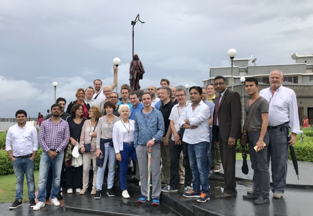 Sur la croisette, les Patrons du tourisme jouent les stars à Pondichéry/ photo JDL