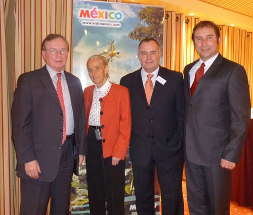 Jean-Pierre Sauvage directeur général Iberia, Françoise de Tailly présidente Cotal, Frédéric Rousseau, directeur marketing Mexicana et Jorge Lombard, directeur de l'Office National du Tourisme du Mexique en France