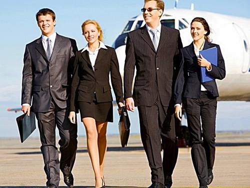 Fini le bling-bling, même en déplacement d'affaires, les décideurs sont de plus en plus nombreux à s'asseoir dans le fond de l'avion...