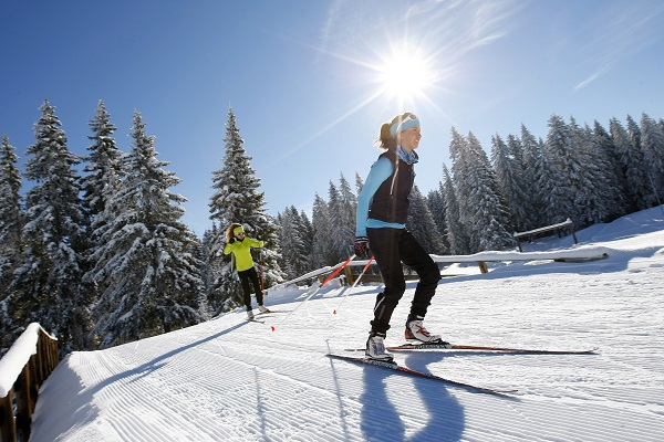 Les récentes chutes de neige permettent d'ouvrir quelques pistes dès ce week-end - Crédit photo : Thomas Hytte