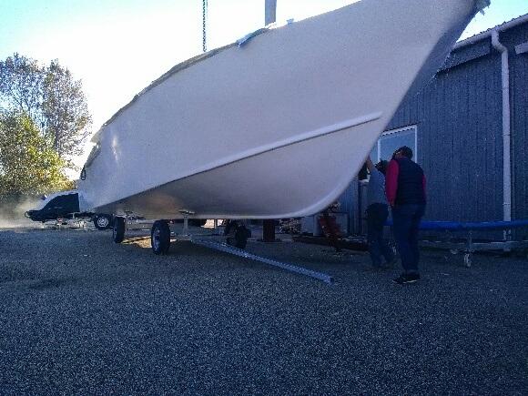 La coque a été démoulée, il y a peu et la livraison est prévue fin avril 2018 - Crédit photo : Bordeaux Be Boat
