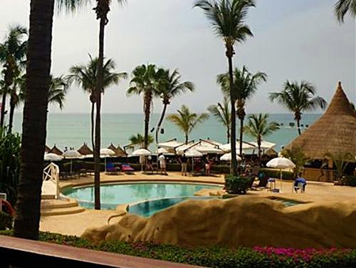 Saly est devenu un haut-lieu du tourisme balnéaire - on s'y baigne toute l'année en  sécurité - et le Framissima Palm Beach, s'est transformé en un pimpant hôtel jardin offrant une gamme complète de prestations touristiques...