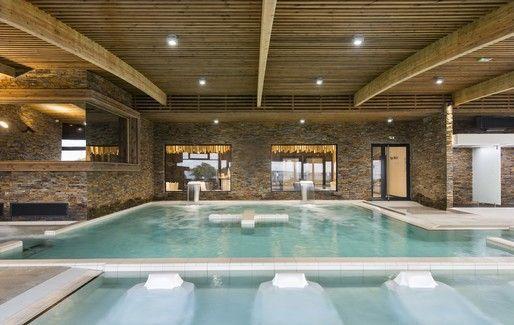 La piscine chauffée est concomittente au resort 4* et à la résidence - photo DR Thalasso Concarneau