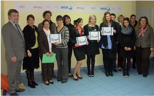 Pros, profs et les lauréates (de g. à dte) : Caroline, Maria, Aimie -la gagnante- et Christelle