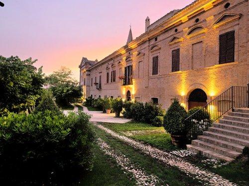 Le Castello di Semivicoli, une des adresses italiennes du guide 2010 châteaux &  Hôtels Collection