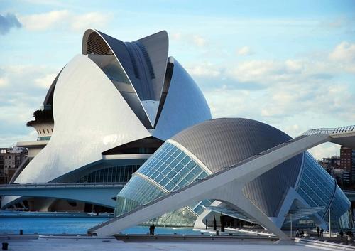 L'Opéra de Valence à côté duquel l'Opéra Bastille fait pâle figure...
