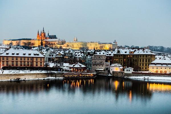 80% des touristes Français restent à Prague lors de leurs séjours - Crédit photo : Compte Twitter @PragueEU