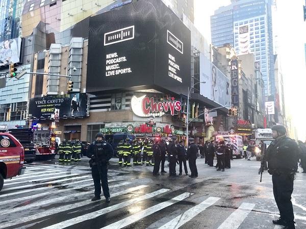 LEAD Quatre blessés dans une explosion à New York, un suspect arrêté