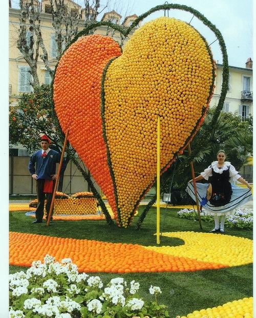 Côte d'Azur : le Carnaval est loin d'être une mascarade...