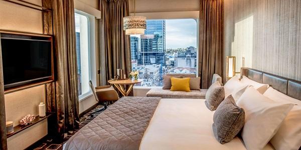 Les chambres proposent une vue sur la ville de Perth - Crédit photo : InterContinental