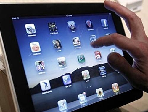 Révolution pour les uns, pure opération de marketing pour les autres… que représente vraiment l'arrivée de cette tablette dans le paysage numérique ?