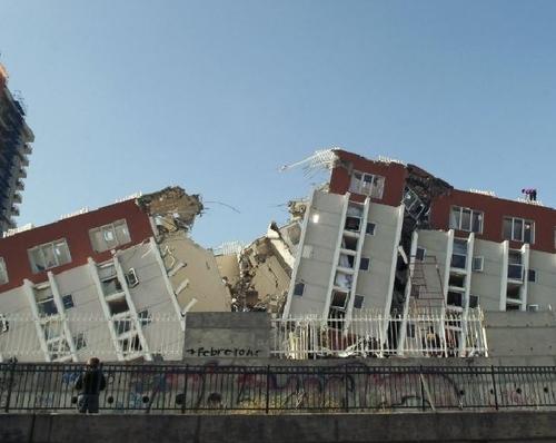 Chili : plus de 700 morts et 2 millions de sinistrés dans le séisme
